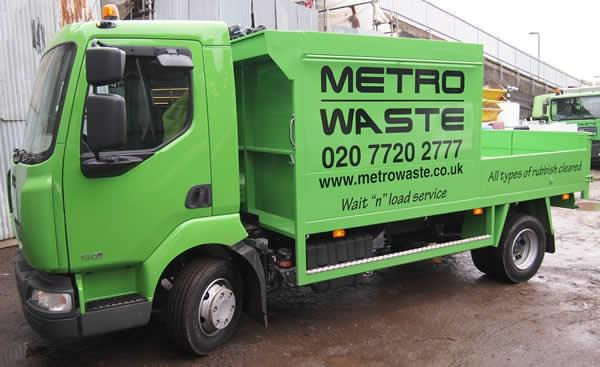 Large capacity rubbish removal truck